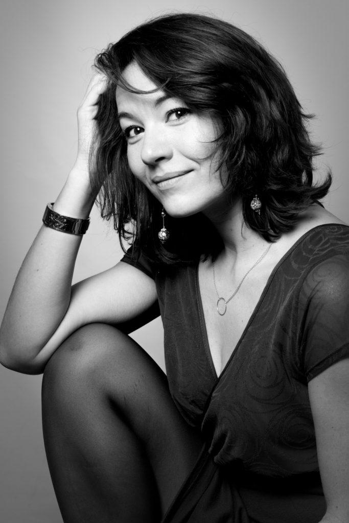 Bystudio - Lina Ying Photographe professionnelle pour vos photos de portrait beauté Paris Ile de France